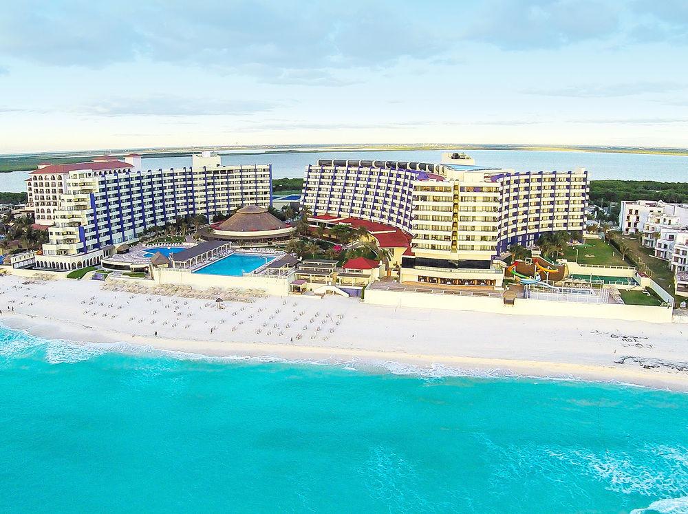 Crown Paradise Cancun All Inclusive Beach Resort
