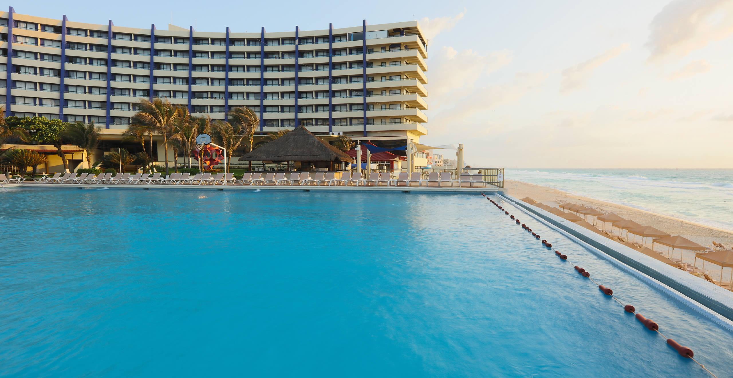 Crown Paradise Cancun >> Crown Paradise Club Cancun Crown Paradise Club Cancun