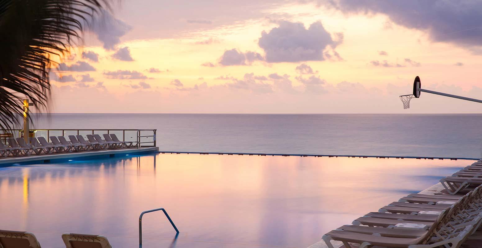 Crown Paradise Club Cancun Crown Paradise Club Cancun